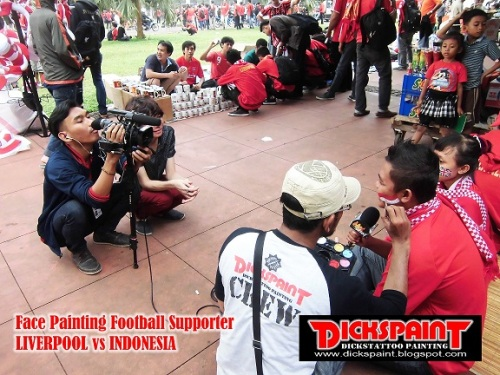 face Painting Football Supporter liverpool vs indonesia GBK Jakarta 14 upload
