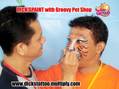 face painting with groovy proses